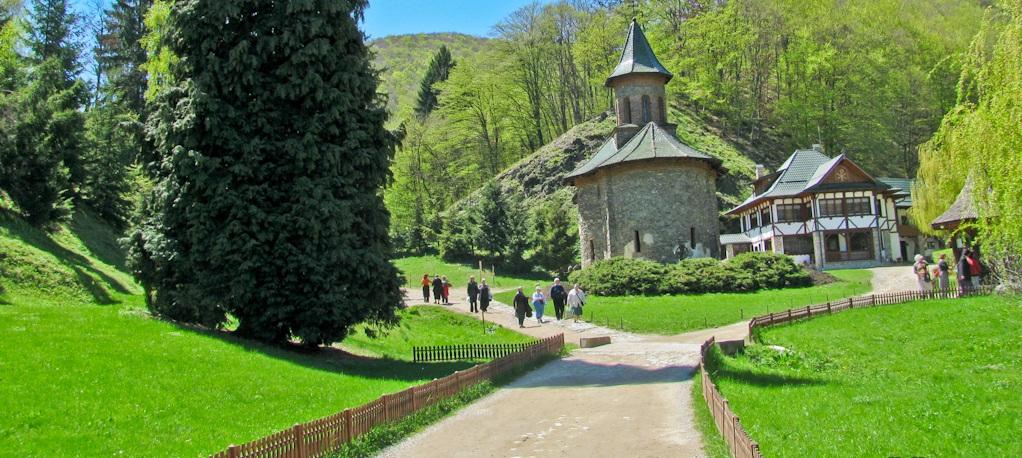 Manastirea-Prislop-Arsenie-Boca-08