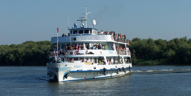 mai-multe-curse-de-pasageri-spre-delta-dunarii-si-tulcea